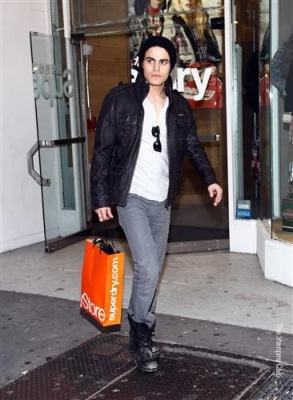 Paul Wesley shops at Superdry in NY [12 ноября]