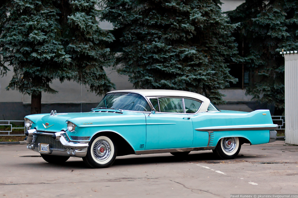 Cadillac Coupe Deville 1957