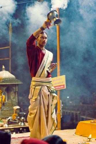Огненная пуджа - обряд поклонения Гангу.