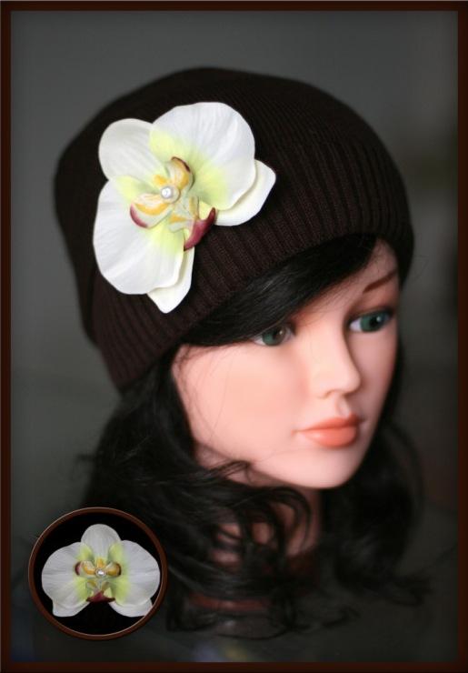 Gallery.ru / Удлин.шапка с кремовой орхидеей(шоколад) 500руб - ВЯЗАНЫЕ...