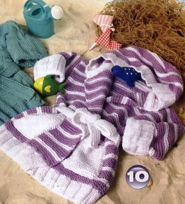 1436090705. Петелька Вязание, схемы Подпишись! Полосатый халат с капюшоном для малыша, вязанный спицами