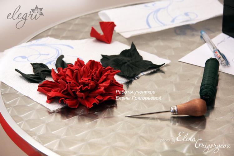 Цветы из гофрированной бумаги своими руками с
