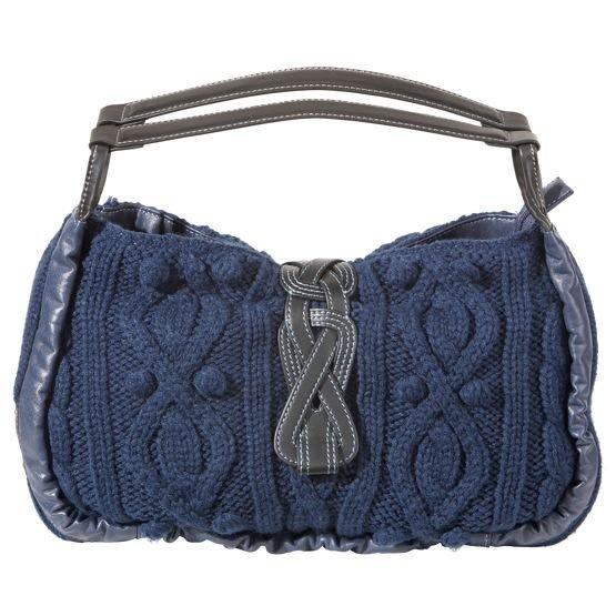 Вот он хит сезона зимы 2010 года - вязаные сумки с аранами! (стиль вязки,косы,жгуты) Многие каталоги готовой и модной