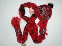 Продам комплект шапка+шарф juicy couture.