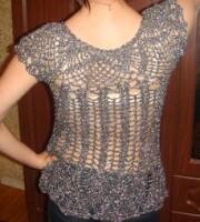 теплые платья и туники вязанные спицами с описанием для женщин.