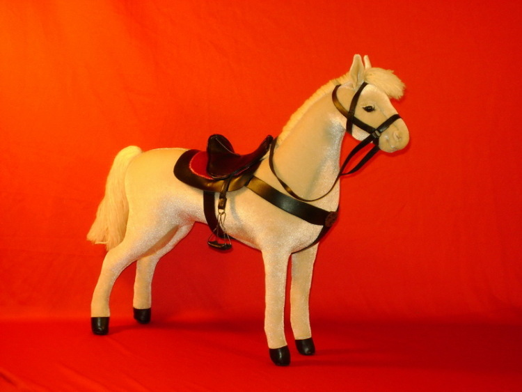 Как сделать игрушечную лошадь своими руками